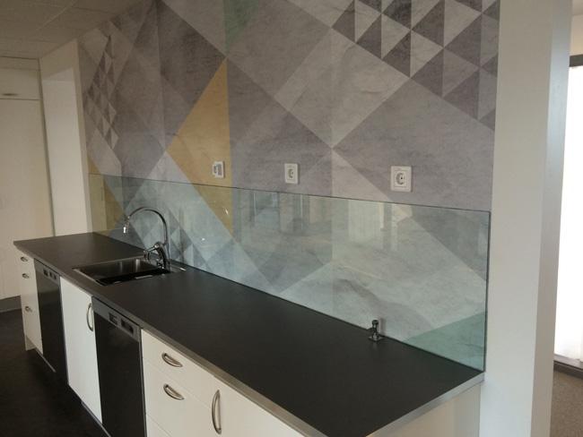Stänkskydd i glas till kök